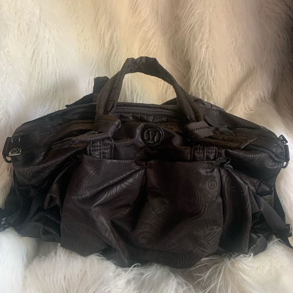 Lululemon gym bag black feather design